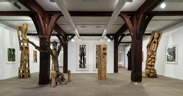 Das Kunstmuseum Reutlingen | Spendhaus von innen - Blick in die Ausstellung Im Wald geboren. Jems Koko Bi & HAP Grieshaber - Foto: Frank Kleinbach