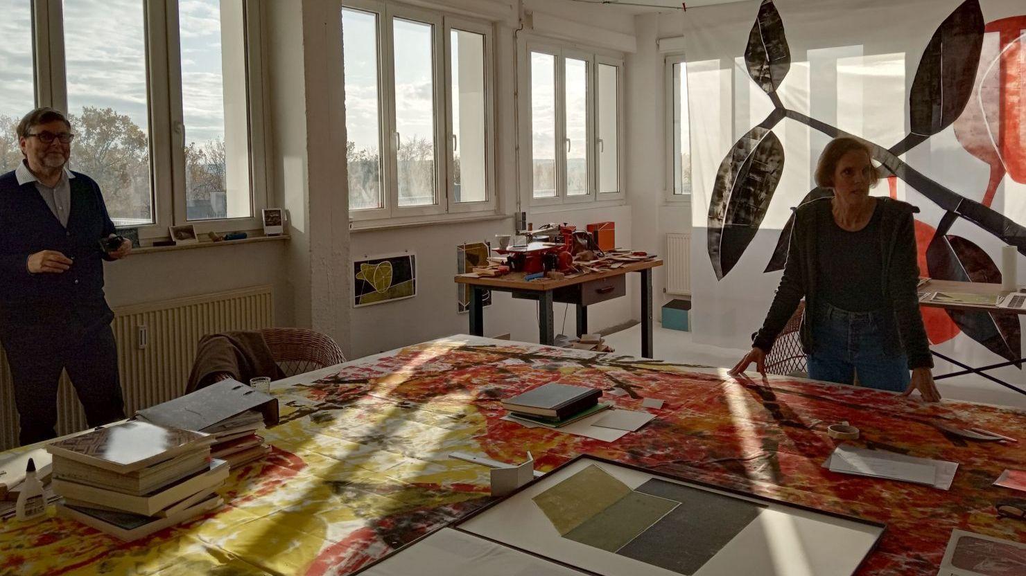Besuch der Mitglieder des Freundeskreises im Atelier der Künstlerin Martina Geist